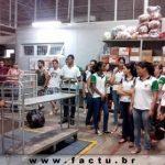 Acadêmicos de Administração e Ciências Contábeis visitam o Supermercado Bretas