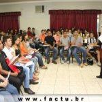 FACTU recepciona calouros da Instituição