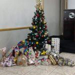 Entrega de presentes do natal Pedagógico e Solidário