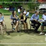 Professor realiza aula itinerante na praça
